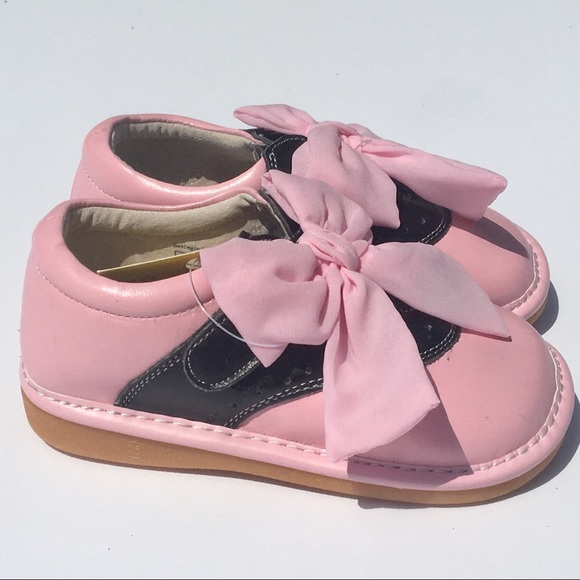 acfc9162e3d NWB pink and black saddle shoes by Wee Squeak NWT